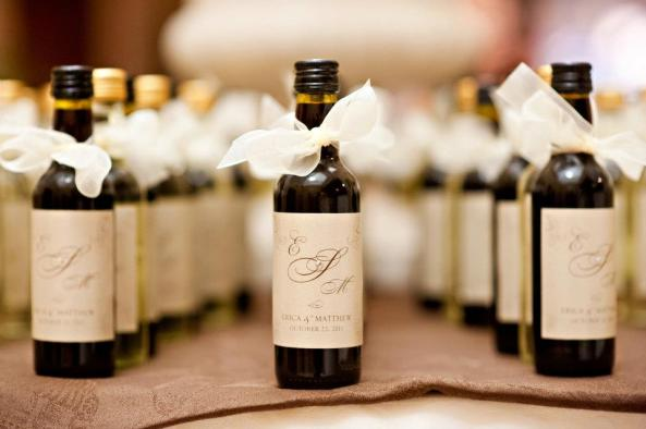 White-Wine-Wedding-Favors