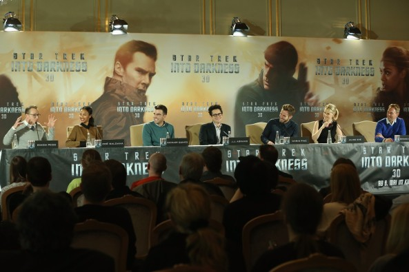 BERLIN, GERMANY - APRIL 29: (L-R) Actors Simon Pegg, Zoe Saldana, Zachary Quinto, director J.J. Abrams, actors Chris Pine and Alice Eve attend the 'Star Trek Into Darkness' Press Conference at Hotel Adlon on April 29, 2013 in Berlin, Germany. (Photo by Sean Gallup/Getty Images for Paramount Pictures) *** Local Caption *** Simon Pegg; Zoe Saldana; Zachary Quinto; J.J. Abrams; Chris Pine; Alice Eve